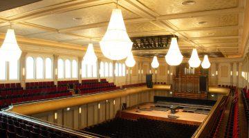 Grote zaal Philharmonie te Haarlem